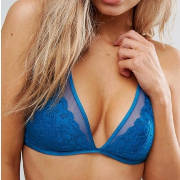4d6b89d3a848fc Free People Other - Intimately Free People Dawson Bralette ~ XS S